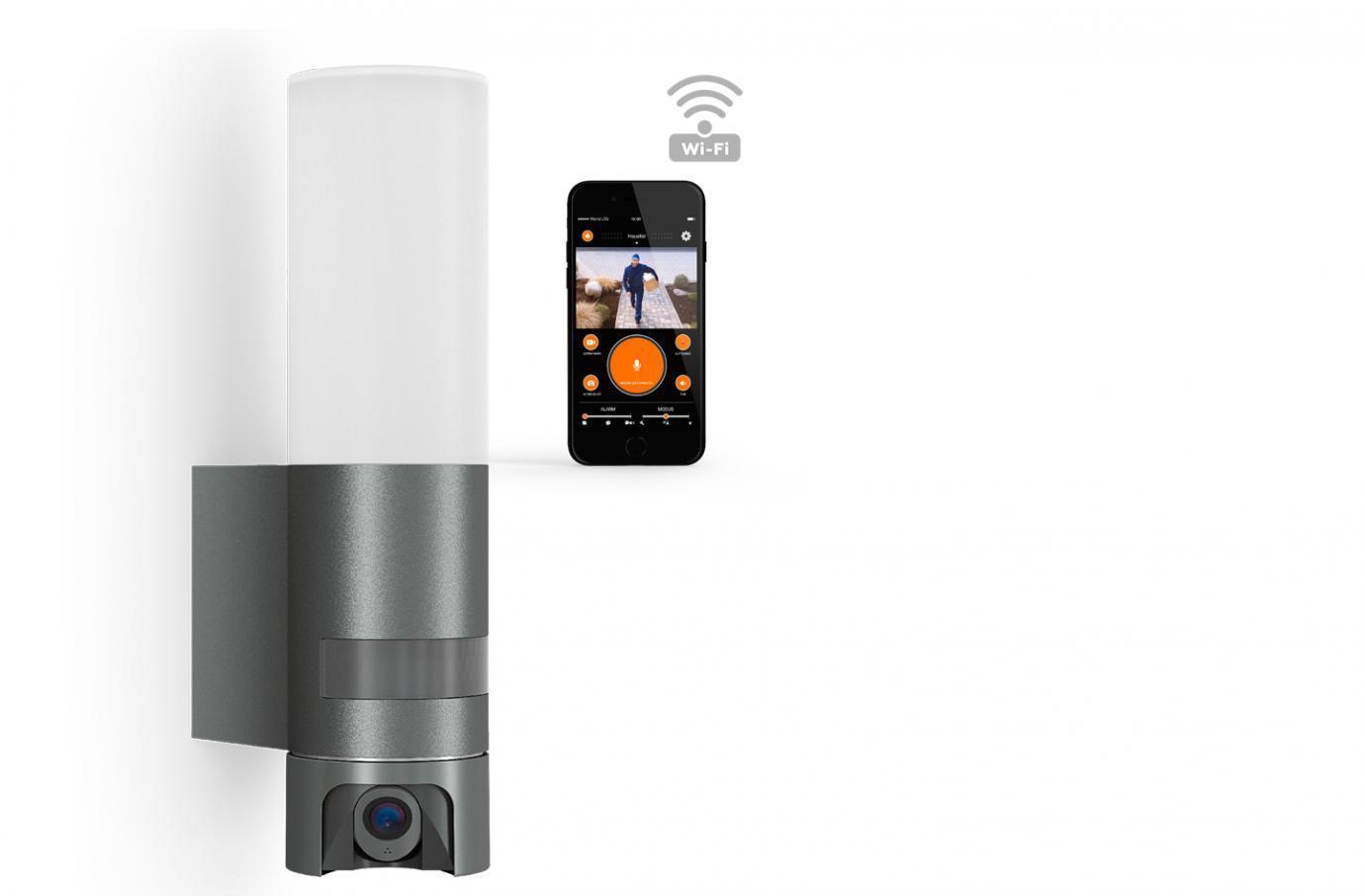 Buitenlamp met camera en intercom systeem